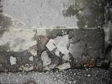 凍結熔解をおこしていた石張り