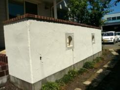 アクセントに使われたアンティーク調の小窓