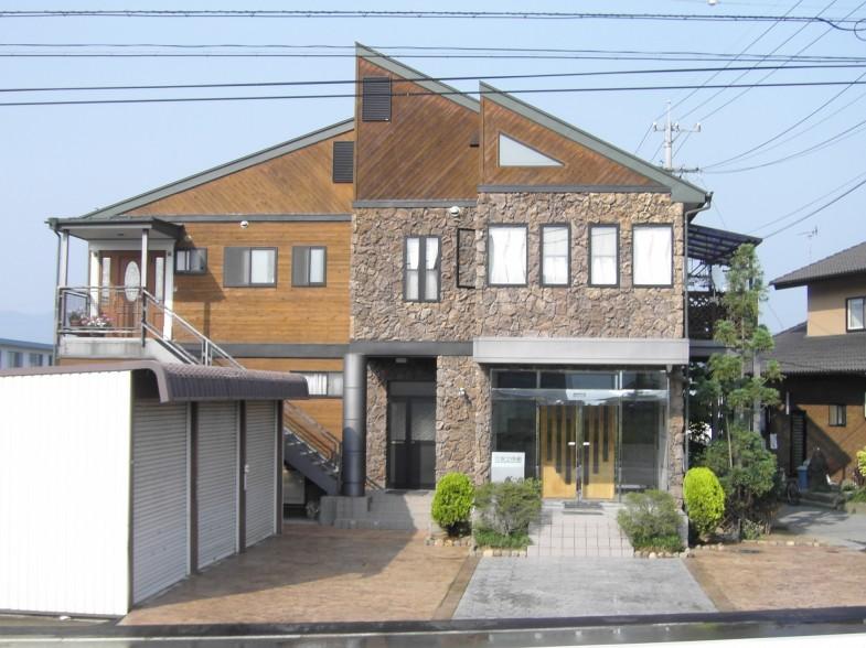 佐久市や軽井沢町で外構・エクステリア、ガレージ工事の安土倍組デザイナーズガーデン