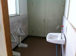 公民館のトイレ ビフォー