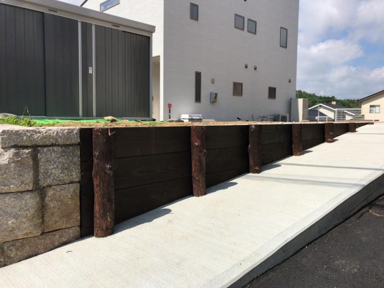 木矢板の土留擁壁