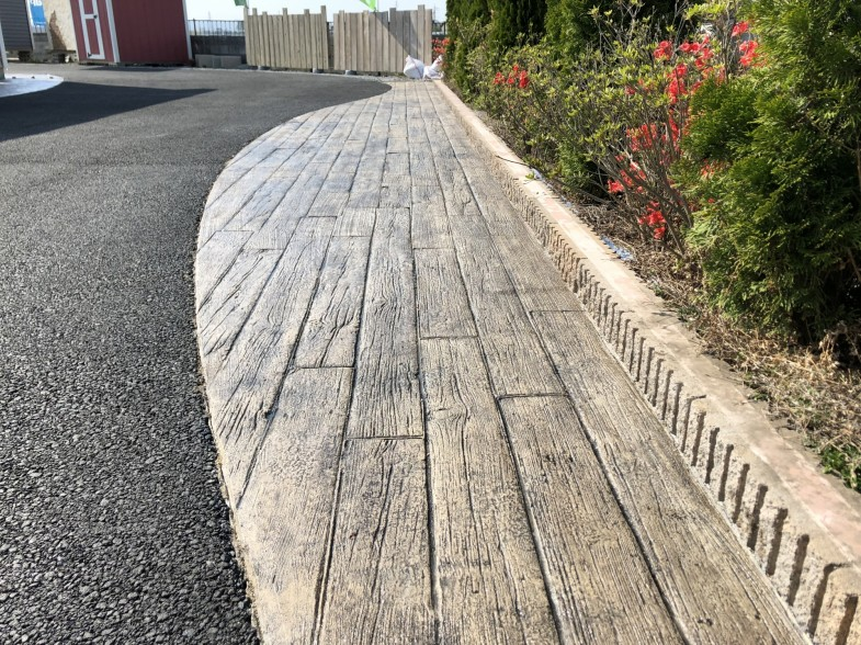 枕木風のスタンプコンクリート