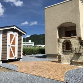 モルタル造形 木製物置 スタンプコンクリート