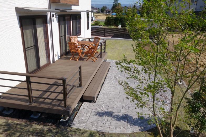 LIXIL 樹ら楽ステージ とスタンプコンクリート