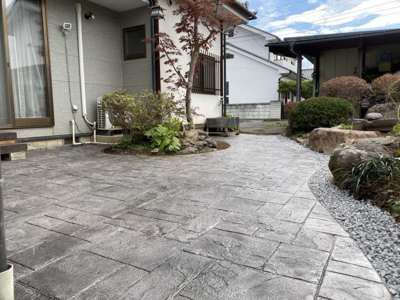 和風庭園のスタンプコンクリート
