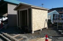 木製物置・OSB下地・外壁ブルー