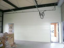 間仕切り壁・鉄板サイディング