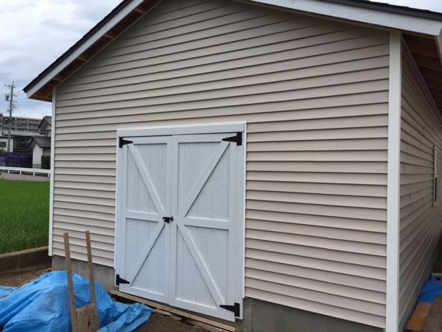 木製ガレージ・両開きドア