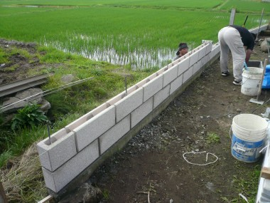 佐久市・T様邸 既存擁壁ブロック積み