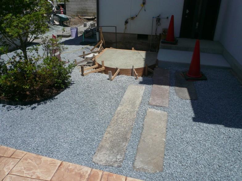 外水栓廻り土間コンクリート・飛び石