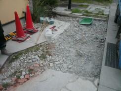 既存土間コンクリート撤去