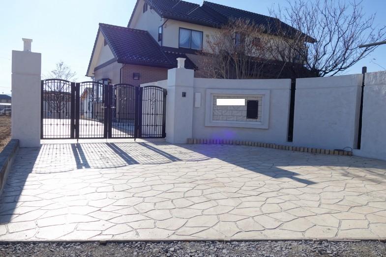 osama_entrance